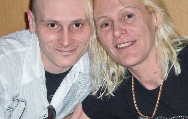 Kuvassa Bulgariassa vuonna 2012 murhattu Jari Salminen ja hänen äitinsä Mari Selenius.