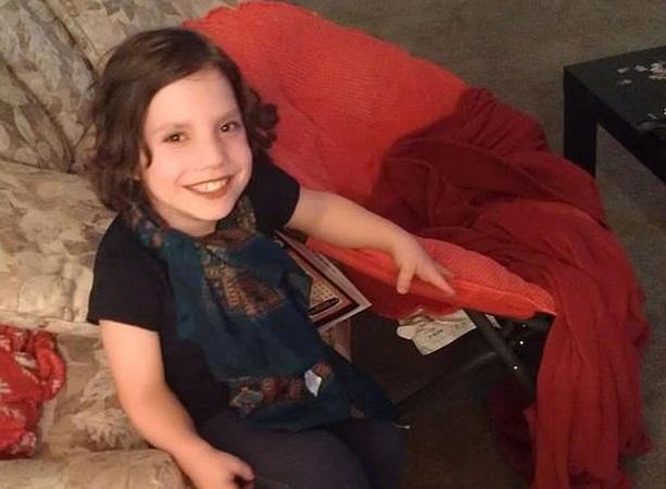 Adoptiotytär vuonna 2012.