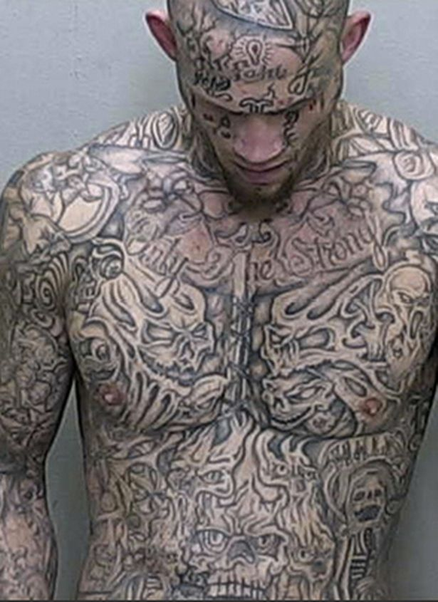 Tatuoitu epäilty, kuva poliisi.