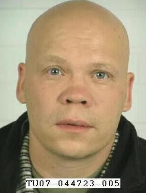 Ulkomaalainen Mies Riehui Helsingin Metrossa - Ihmiset Pakenivat, Videolinkki! - Alibi